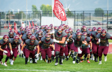 Maple Mountain football prevails in season opener, 21-18