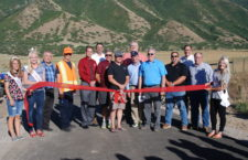 Mapleton celebrates opening of Mapleton Parkway Trail