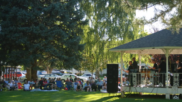 Mapleton Concerts in the Park opens 2016 season